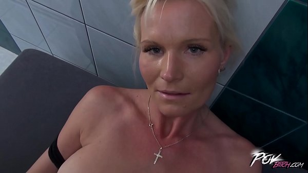 Blonde cleaning lady fucked by manager who can be her sonnie
